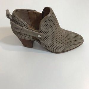NEW Franco Sarto Taupe Ankle Booties Sz 6